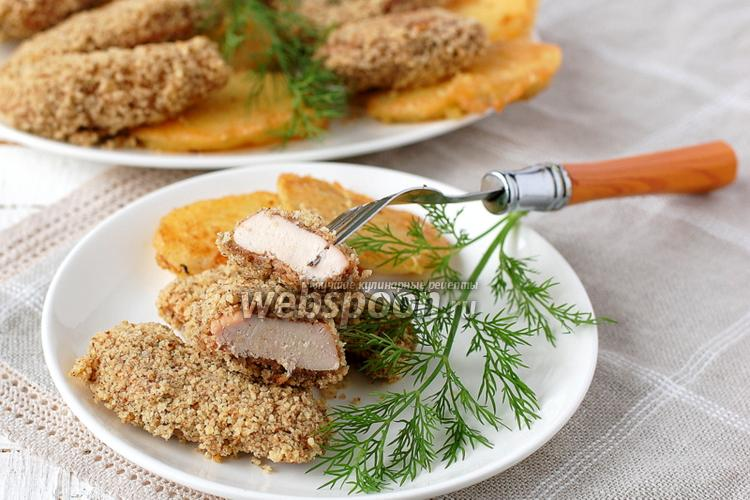 Фото Куриная грудка в орехово-хлебной панировке