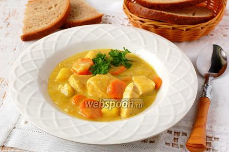 Куриная грудка с овощами в пряном молочном соусе