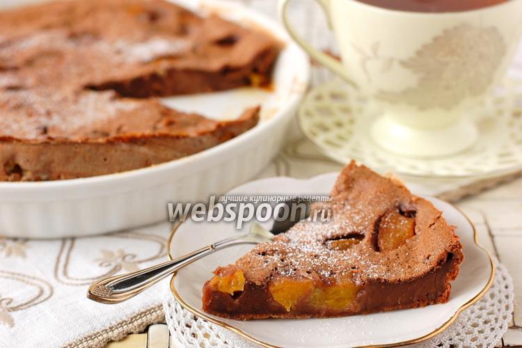 Фото Шоколадное клафути с персиками