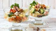 Фото рецепта Салат из маринованного морского коктейля