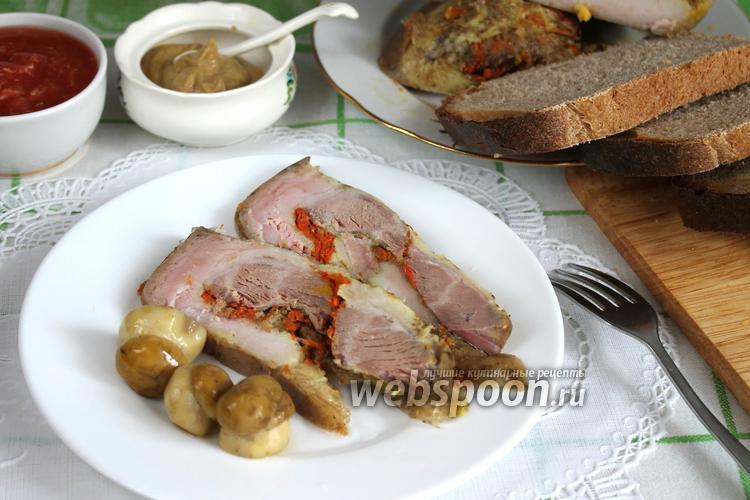 Фото Рулет пряный из свиной грудинки с морковью