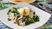 Фото рецепта Салат с корном и яйцом-пашот
