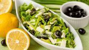 Фото рецепта «Зелёный» салат с авокадо и брынзой