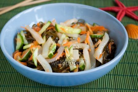 Салат из морской капусты с кальмаром