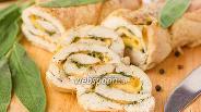 Фото рецепта Куриный рулет с шалфеем и сыром
