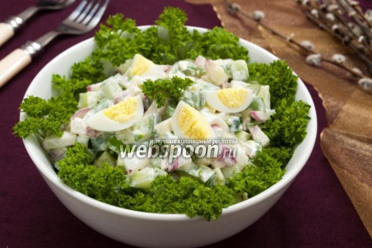 Фото Салат с черемшой и овощами