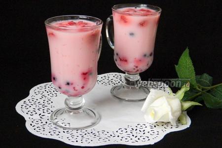 Йогуртовое желе с ягодами