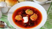 Фото рецепта Горячий свекольник с куриными кнелями