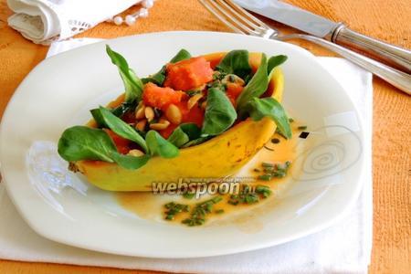 Салат из папайи с арахисом