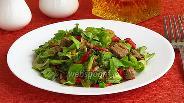 Фото рецепта Салат из куриной печени с овощами