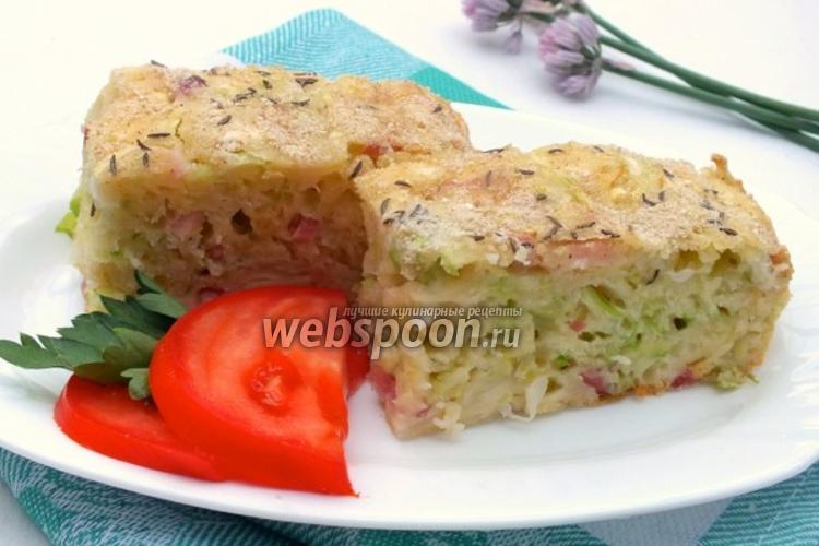 Фото Наливной капустный пирог с беконом