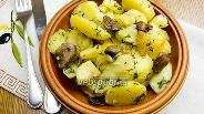 Фото рецепта Картофель с грибами в мультиварке