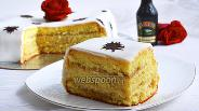 Фото рецепта Бисквитный торт «Бейлис»