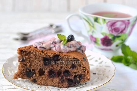 Пирог с кабачком и черникой в мультиварке