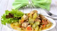 Фото рецепта Курица тушёная с кабачками в мультиварке
