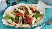 Фото рецепта Салат с тунцом и помидорами