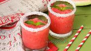 Фото рецепта Ледовый коктейль из арбуза и клубники