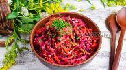 Фото рецепта Салат из огурца, сырой свёклы и моркови