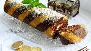Фото рецепта Полосатый бисквитный рулет
