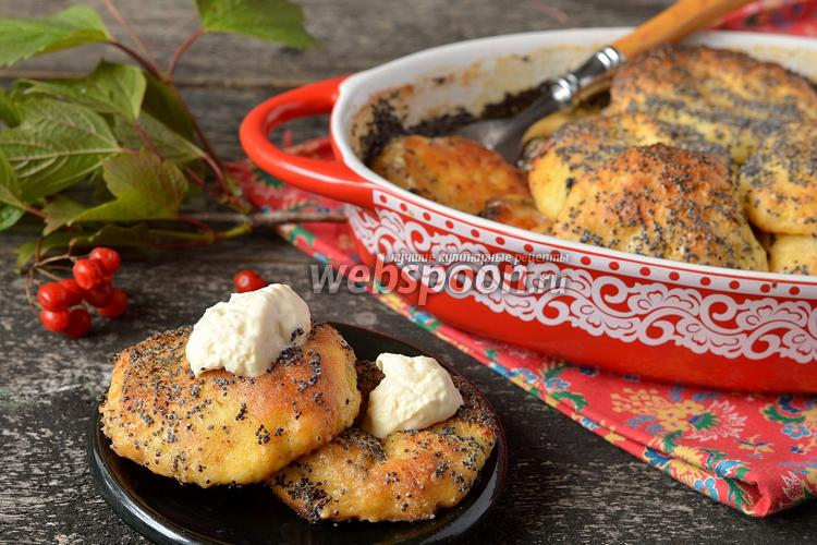 Фото Сырники из  духовки в сметанно-маковой заливке
