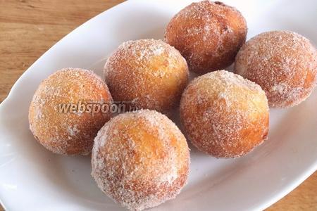 Из данного количества теста получается примерно 22-24 пончика. Подавайте их к чаю или кофе! Приятного аппетита!