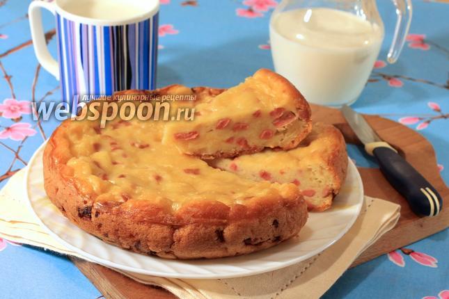 Фото Заливной пирог с сыром и сосисками в мультиварке