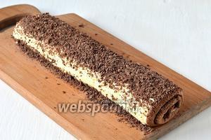 Перед подачей по желанию посыпать крученый сырник тёртым шоколадом.