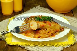 Колбаски с сыром, тушёные в мультиварке с капустой