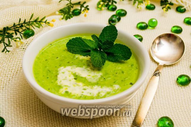 Фото Суп-крем из зелёного горошка с мятой