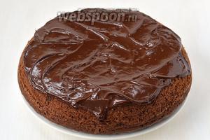 По желанию покрыть кекс сверху растопленным шоколадом. Кекс с изюмом в мультиварке готов!