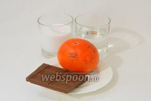 Для приготовления шоколадного мусса с хурмой возьмём шоколад, хурму, сливки, сахарную пудру, экстракт ванили, воду.