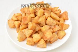 Выложить яблоки на блюдо и охладить.