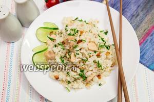 Рис с куриной грудкой, лаймом и миндалём