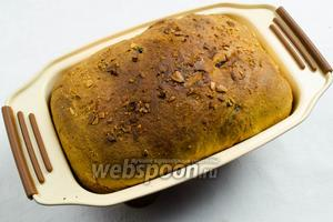 Хлеб готов. Форму вынуть из духовки.