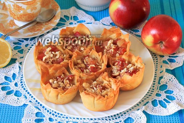 Фото Корзиночки из теста фило с яблоками