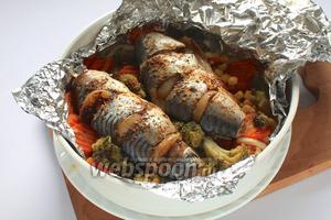 Скумбрия с овощами готова! Приятного аппетита!