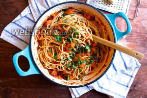 Спагетти с простым овощным соусом