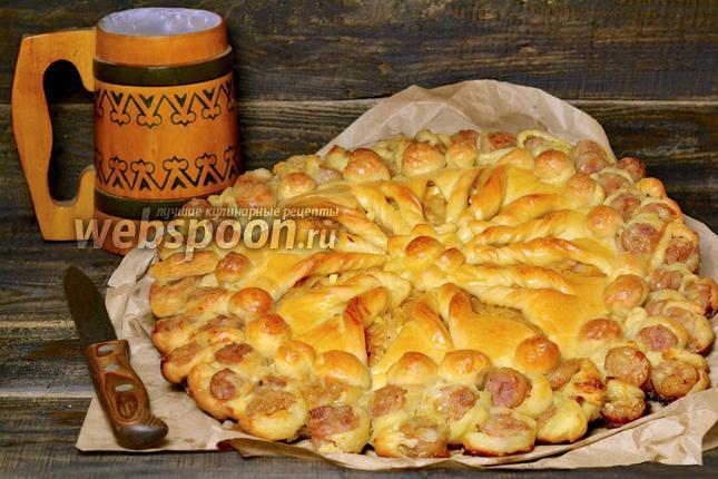 Фото Пирог с капустой и колбасками