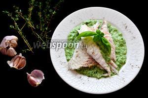 Дорада со шпинатным соусом