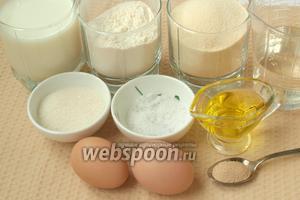 Для приготовления блинов нам понадобится молоко, вода, мука, манная крупа, сахар, соль, яйца куриные, дрожжи и подсолнечное масло.