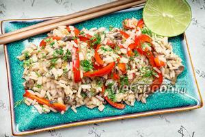 Рис с овощами и соевым соусом с острым перцем