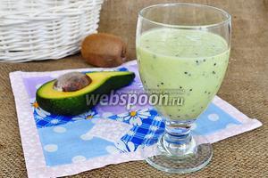 Смузи из киви и авокадо