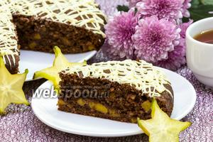 Шоколадно-миндальный пирог с манго