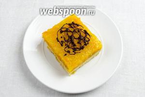 Верхушку кусочков украсить шоколадом или дольками апельсинов. Подавать к чаю.