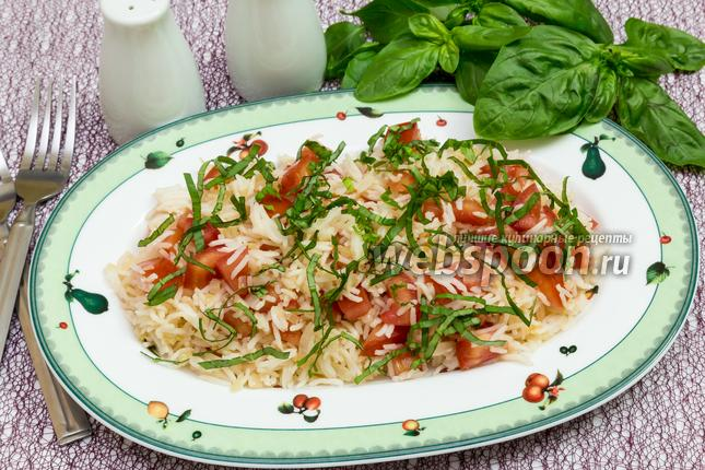 Фото Рис с помидорами и базиликом