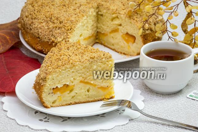 Фото Пирог с консервированными персиками