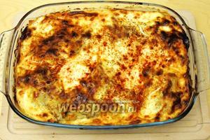 Выпекаем в горячей духовке при 200°С около 30 минут. Сервируем. Лазанья овощная готова. Приятного аппетита!