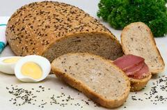 Цельнозерновой хлеб со льном и кунжутом