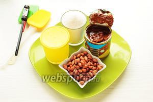 Для меренги (швейцарской) надо взять только белок — 125 грамм, белок и сахар (соотношение простое — 1:2 белка и сахара) по желанию капля красителя. Для начинки: сгущёнка и жаренный арахис.