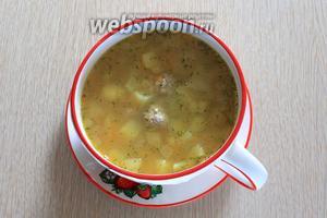 Наш гороховый суп с фрикадельками готов. Приятного аппетита!